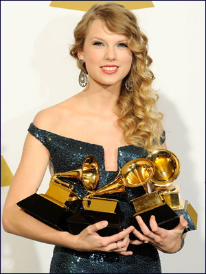 taylor-swift-grammy-awards300