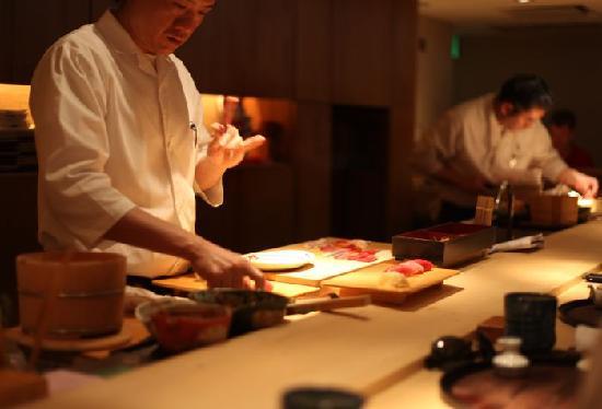 preparing-sushi